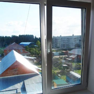 п.Хлюпино. Установка окон в квартире. Профиль Rehau Blitz, двухкамерный стеклопакет с энергосберегающим стеклом
